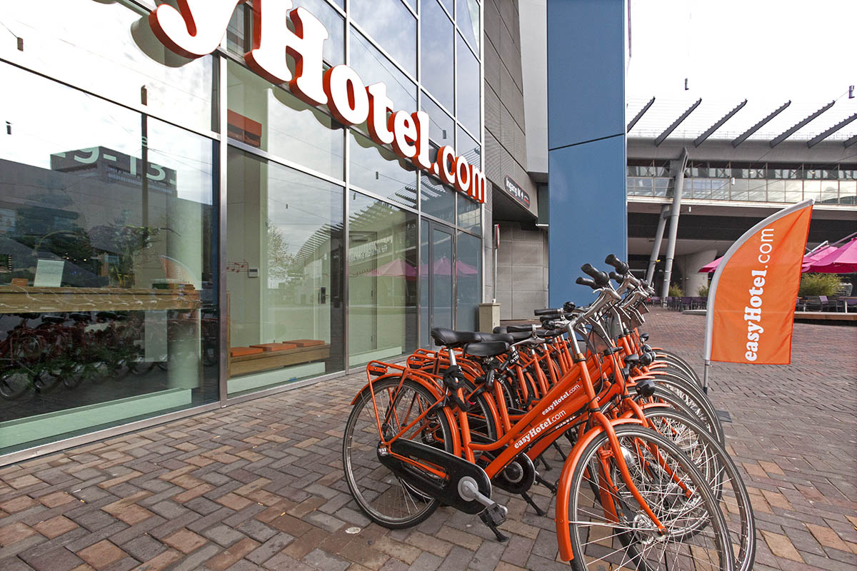 easyHotel bicycles
