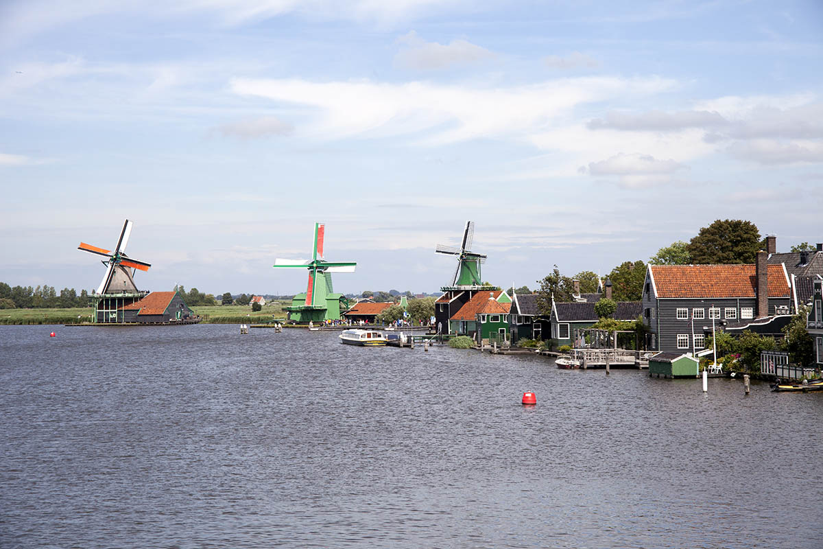 Zaandam waters