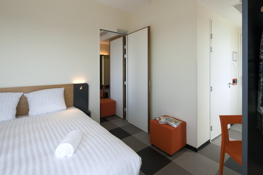 easyHotel Amsterdam Zaandam Connected Room