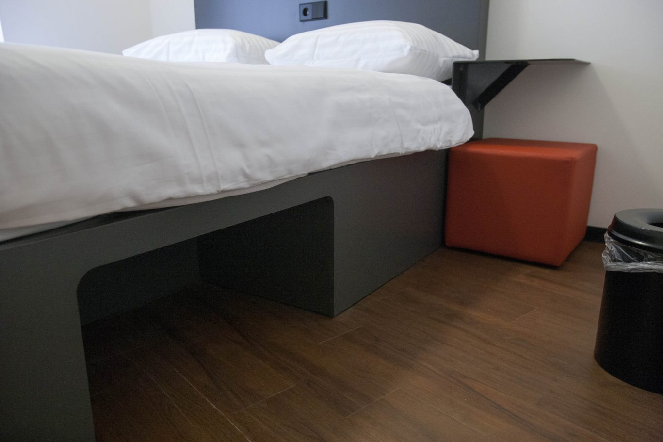 Double bed with luggage space