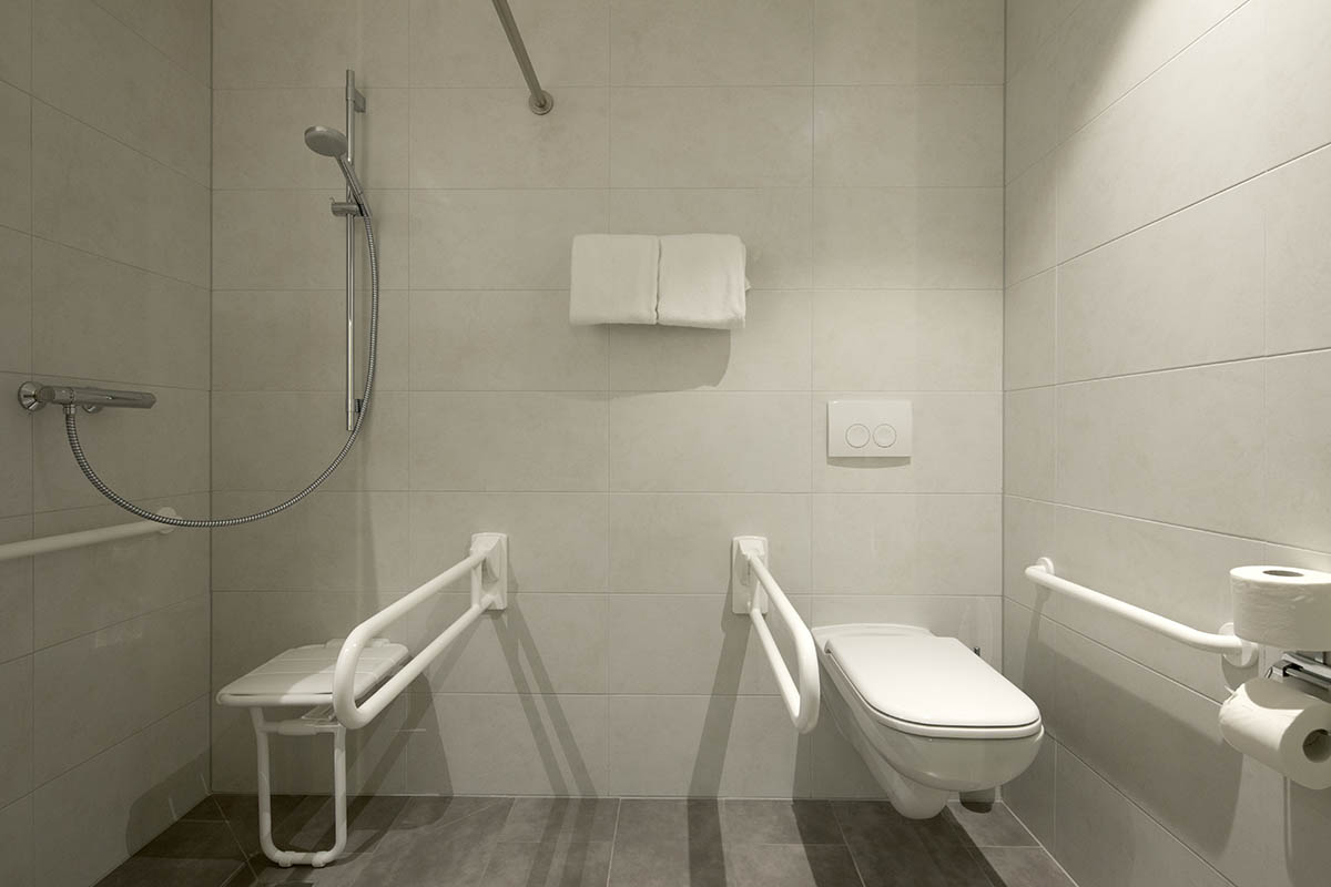 Wheelchair friendly bathroom